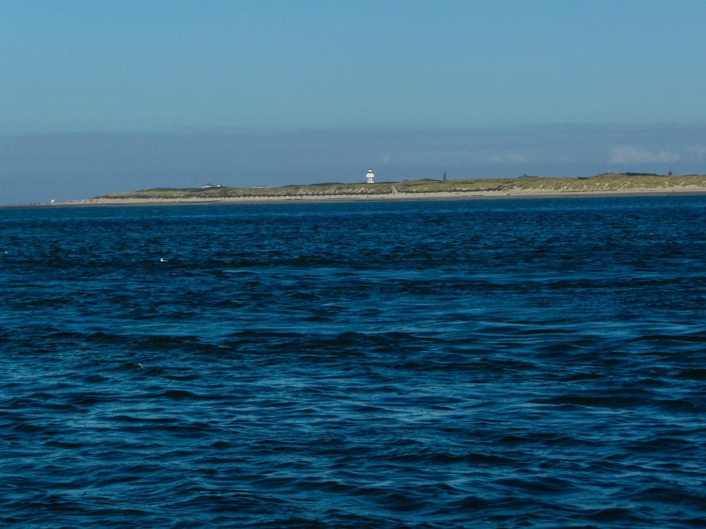 Wir umrunden einmal Langeoog. Hier zu sehen: Der Wasserturm