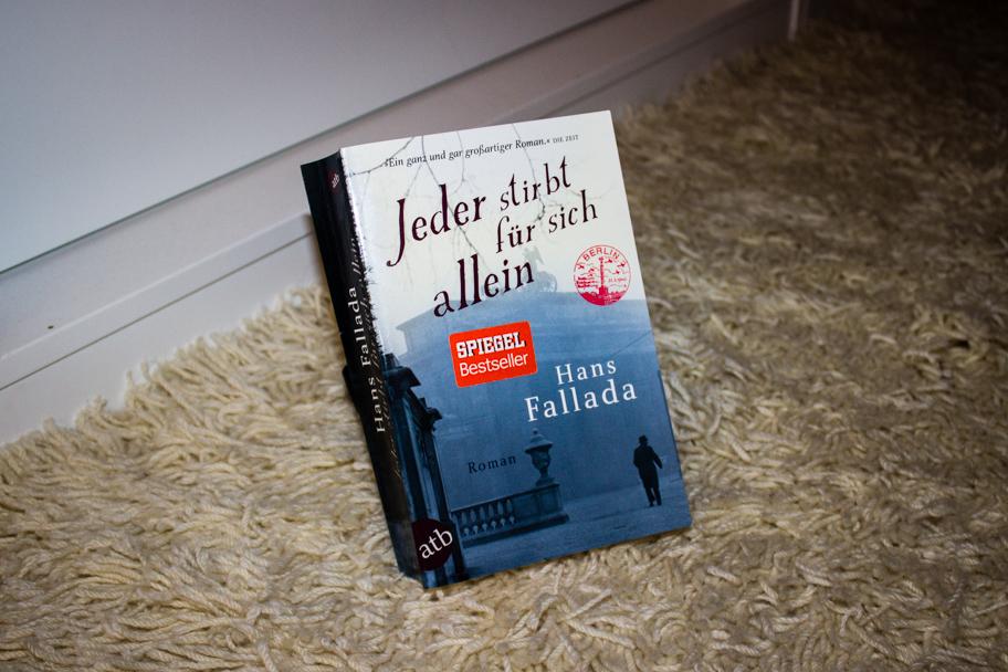 """Der Bestseller Roman """"Jeder stirbt für sich allein"""" von Hans Fallada"""