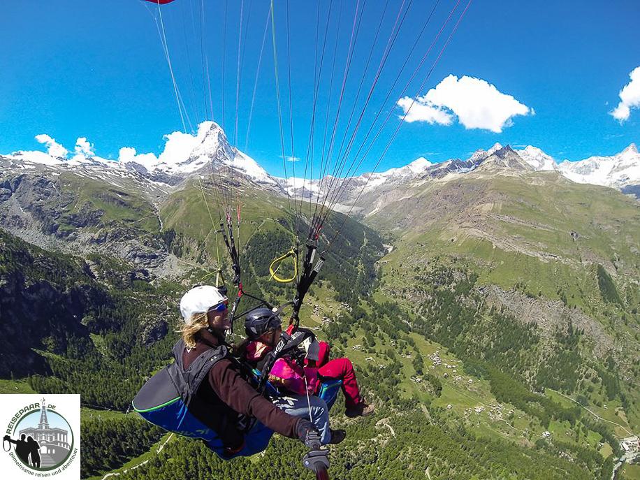 Paragliding-in-Zermatt-001