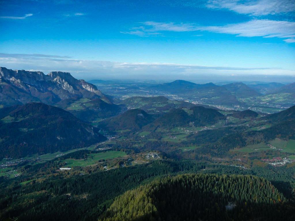 Blick vom Kehlsteingipfel auf das Berchtesgadener Land
